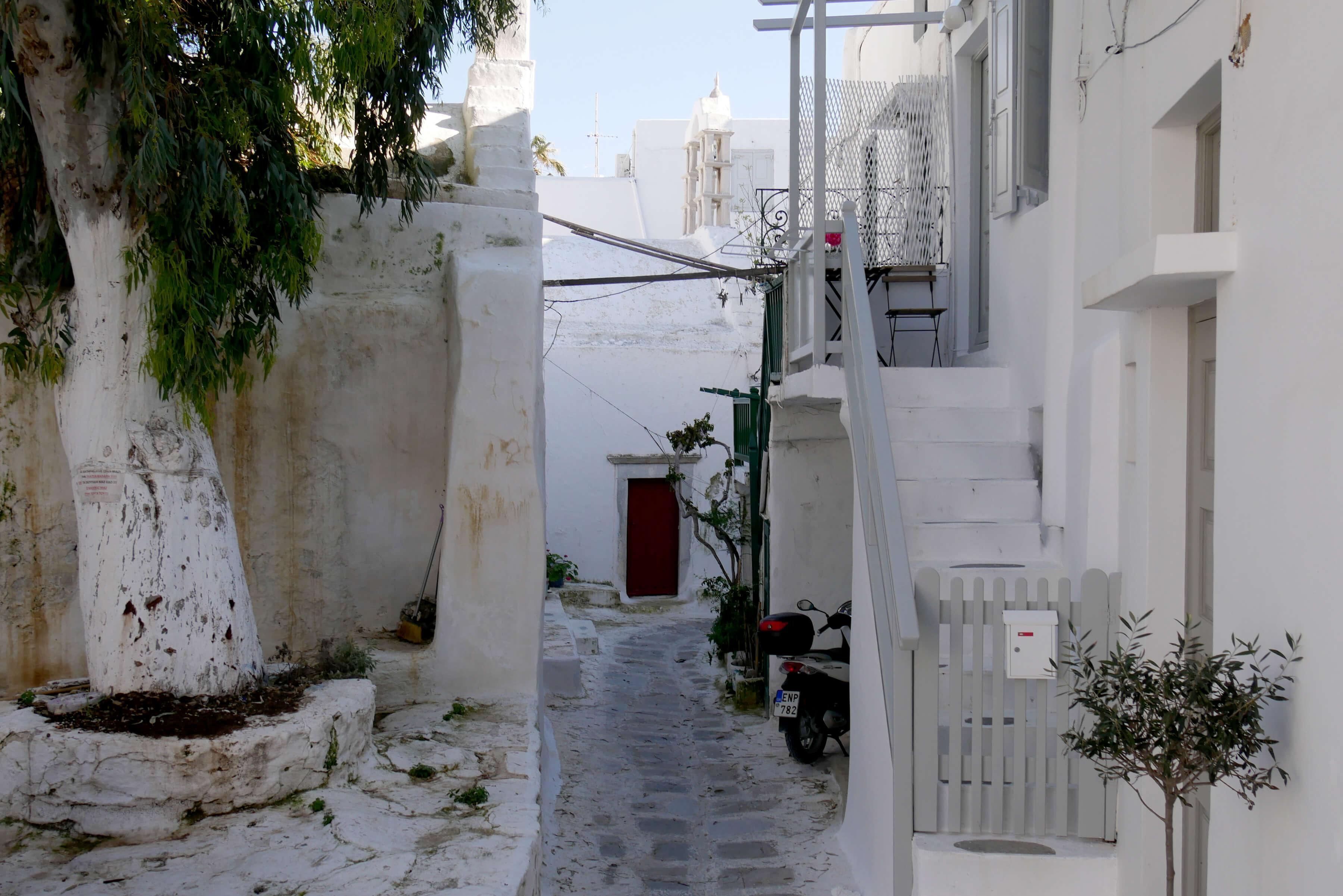 Ruelle typique des Cyclades à Mykonos