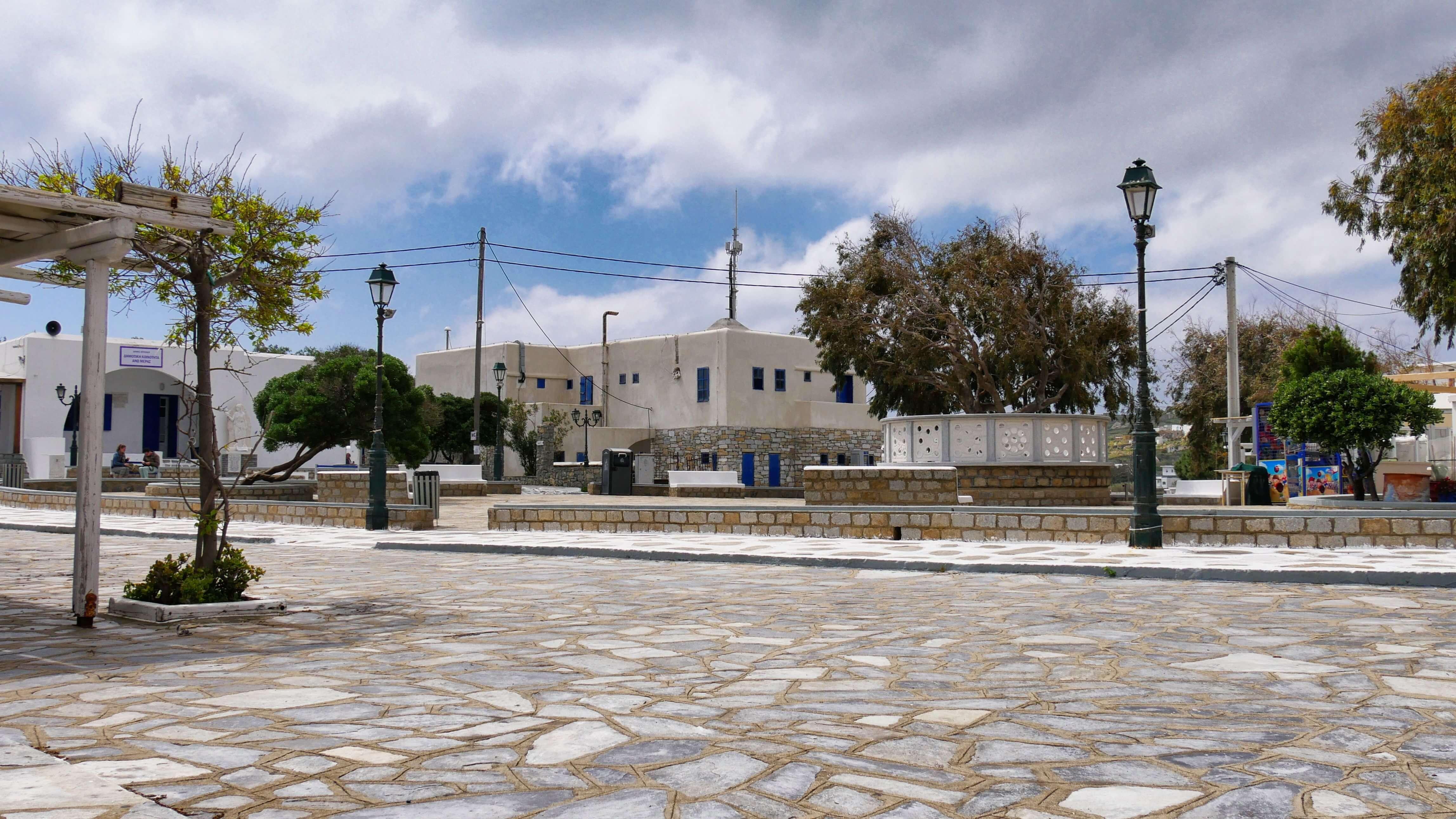 Place du village d'Ano-Mera, Mykonos, Grèce