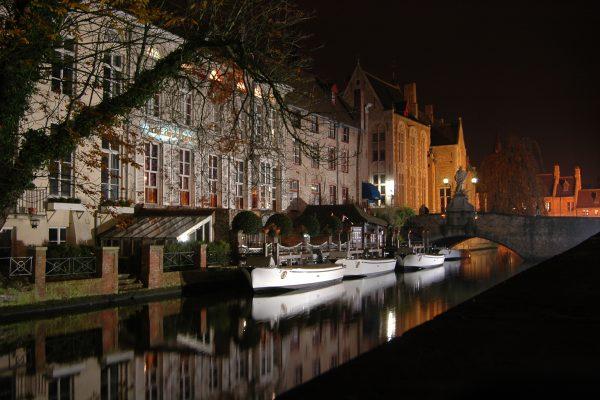 Se perdre la nuit dans les rues de Bruges