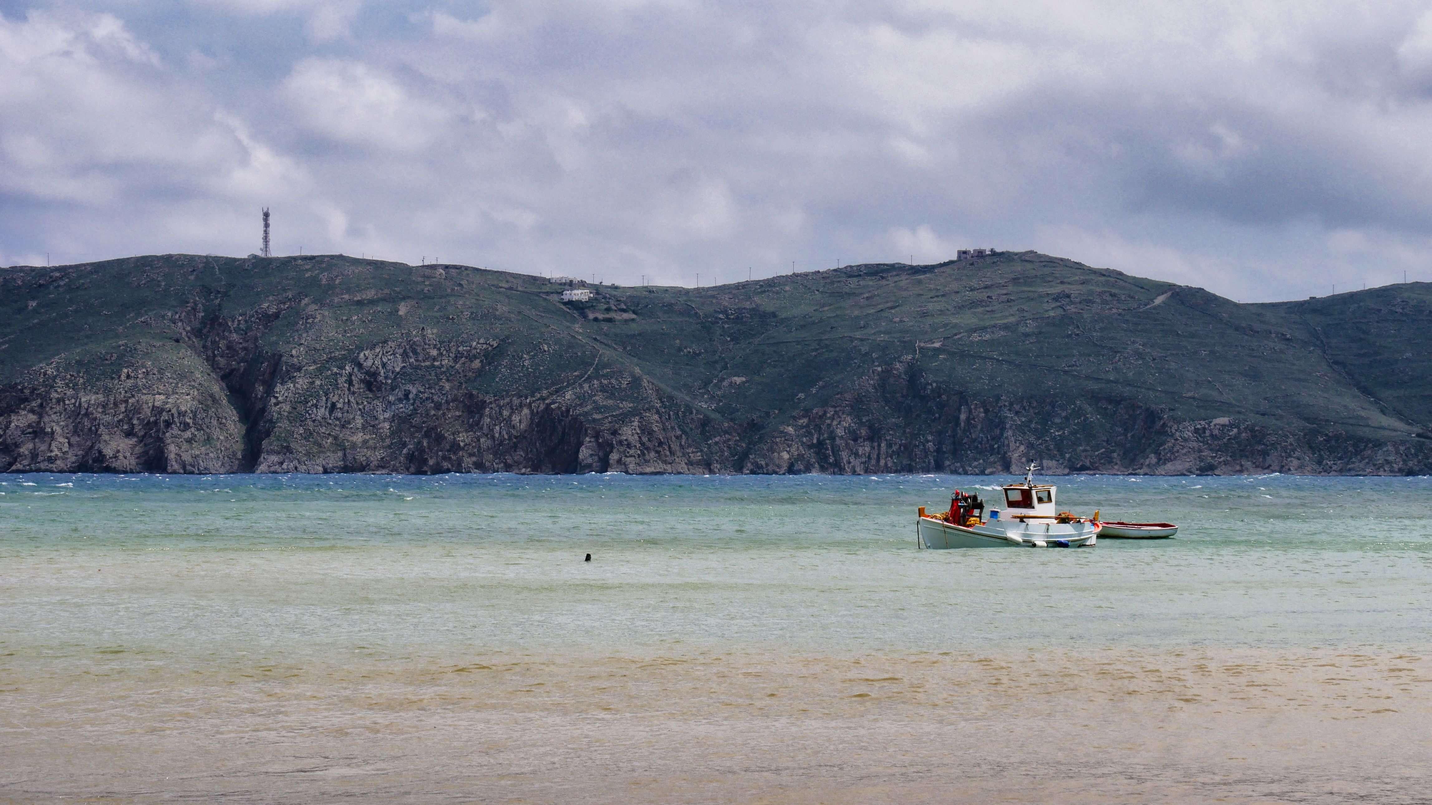 Falaises de l'anse de Panormos, Mykonos, Grèce